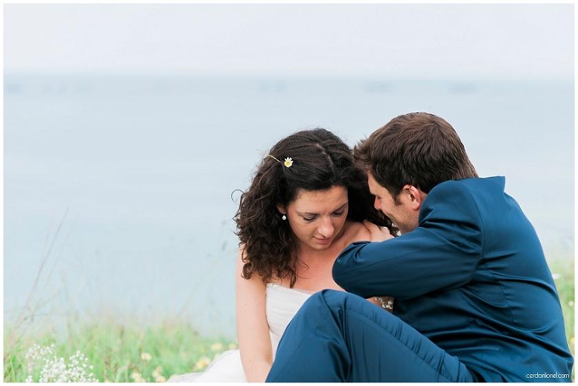seance couple après le mariage sur les falaises d